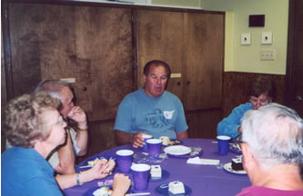 AlumniLuncheon2003AlReynolds.jpg