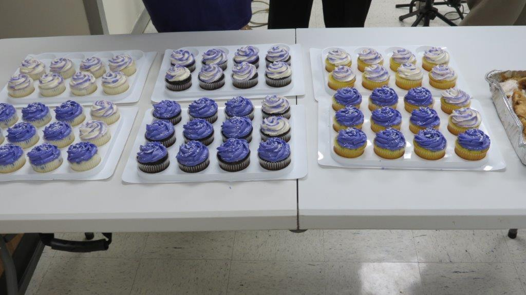 Yummy cupcakes - come and get yours next year.jpg