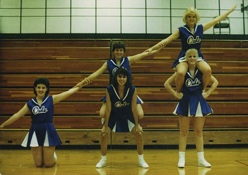 BasketballCheerleaders1989.jpg